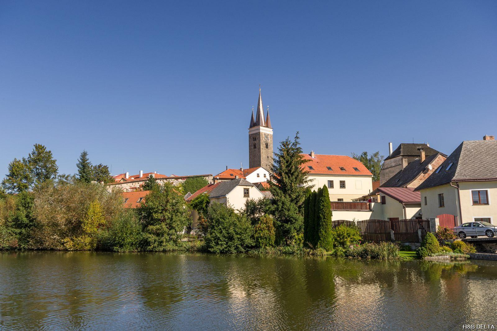 Věž kostela sv. Ducha v Telči